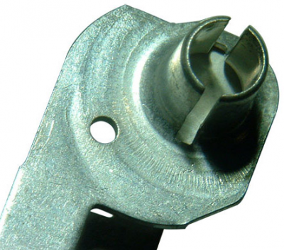 Contact for car horn with torch